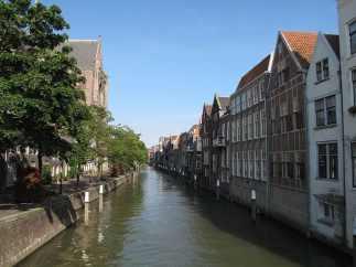 Dordrecht-Town-Canal