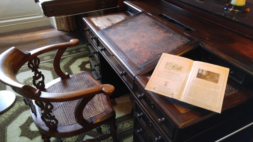 Dickens-Desk