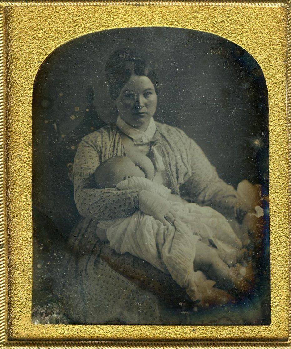 victorian-breastfeeding